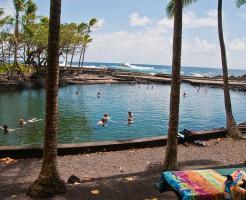 カウアイ島には温泉は無いのでハワイ島へ。オアフ島なら韓国スパよ!