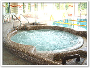 pool_jacuzzi_in