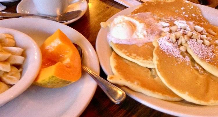 アラモアナの老舗『オリジナルパンケーキハウス』日本語メニュー